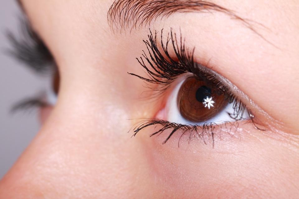 Шест седмици безплатни очни прегледи във ВМА