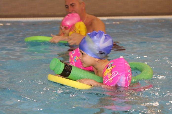 Осигурете на детето си здраве и спокойствие чрез плуване!