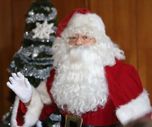 Хо-хо-хо!  Дядо Коледа навести децата на ВМА!