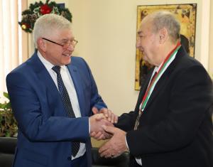 Доцент Стефан Левтеров получи най-високото отличие