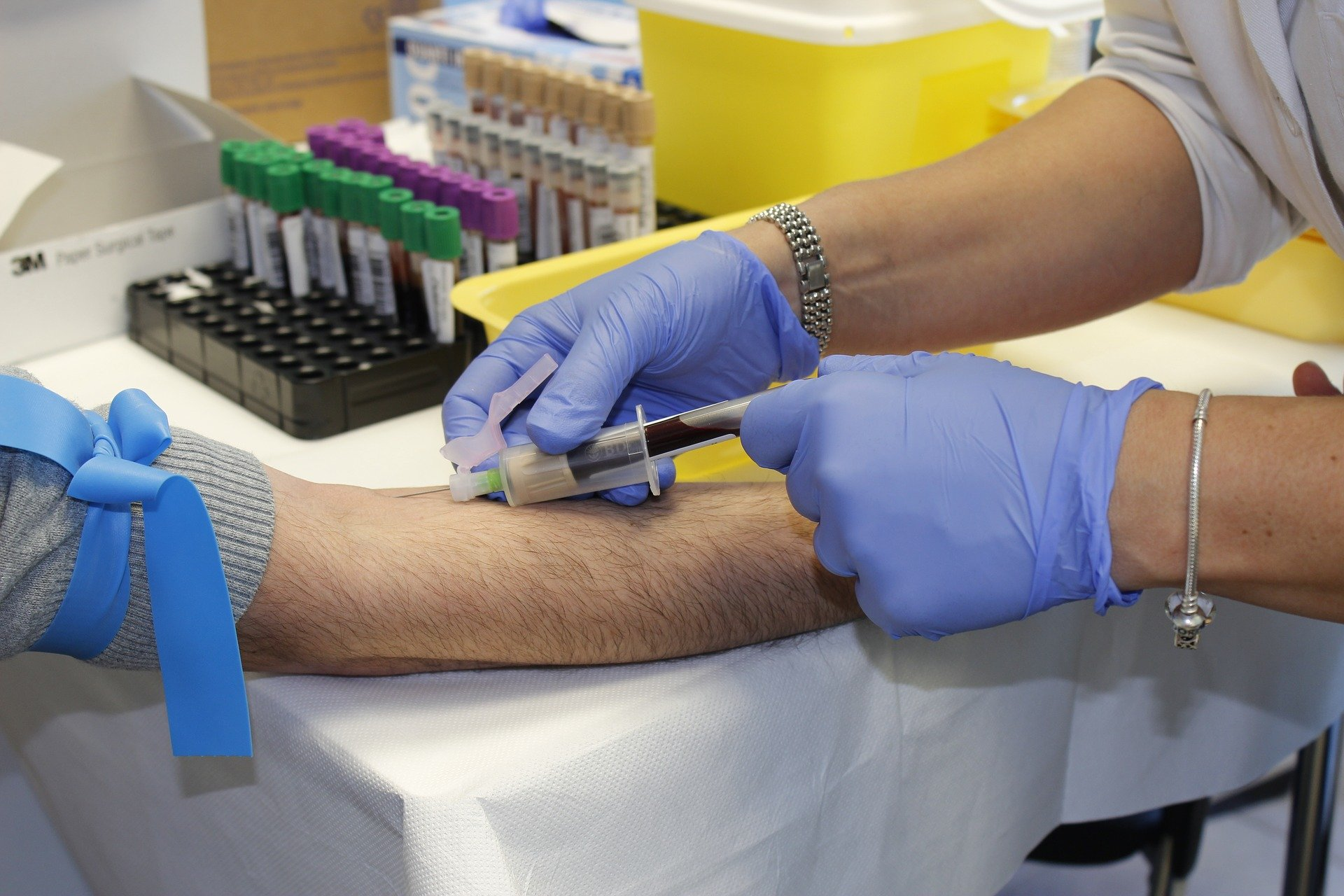 Над 3000 военнослужещи се включват в кампаниите за безвъзмездно кръводаряване всяка година