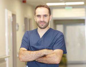 Д-р Светозар Марангозов: Потърсете помощ при оток, напрежение, промяна на цвета на кожата