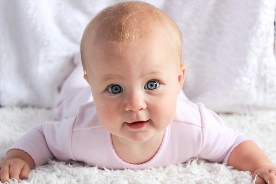 """Практическа лекция """"Първи грижи за новороденото у дома"""" на 29 април!"""