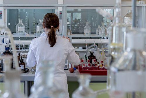 Нов кръвен тест ще може да открива осем вида рак
