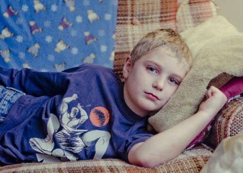 Бави ли Здравната каса решенията за лечение на деца?