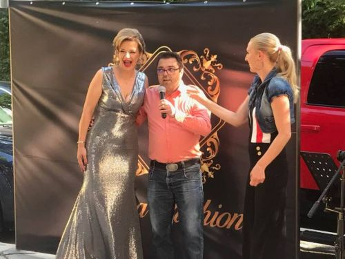 Звезди и красавици откриха с лимузини новия бутик на  Kiara Fashion BG