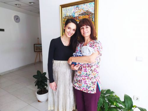 Луиза Григорова-Макариев и Весела Бабинова родиха в един и същи ден