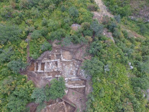 Търсят най-голямото светилище в Родопите край ивайловградското село Хухла